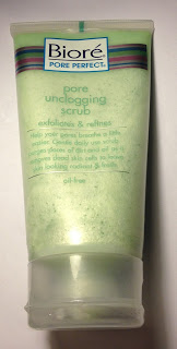 Biore Pore Unclogging Scrub
