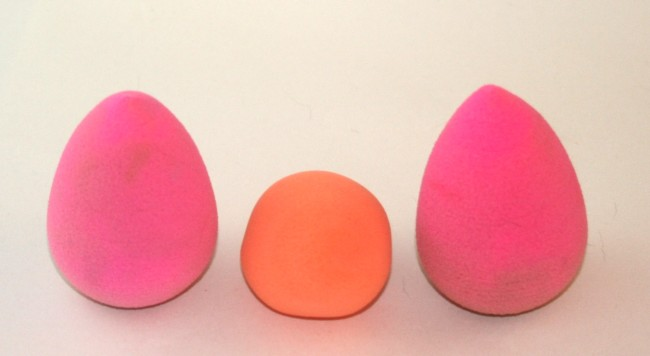 Miracle Complexion Sponge sandwiched between two Beauty Blenders