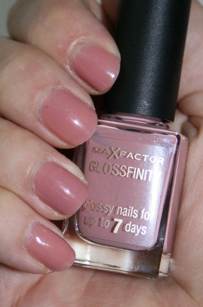 Max Factor Glossfinity Pink Whisper Swatch