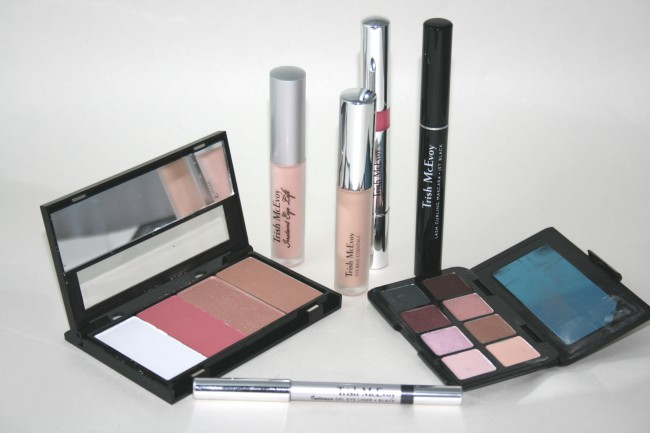 Trish McEvoy Azure Power of Make-Up Planner Collection Contents