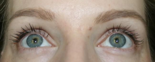 CODE VLM Mascara Close Up