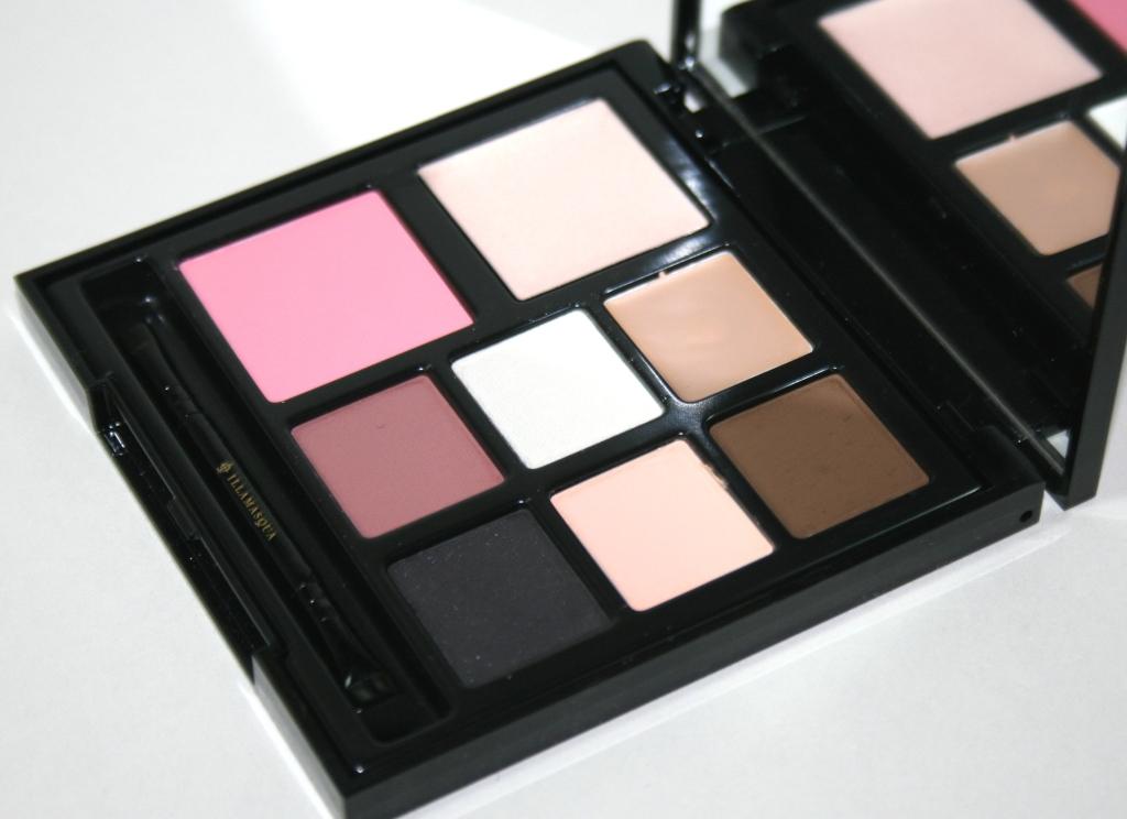 Illamasqua Multi Facet Palette in Aura