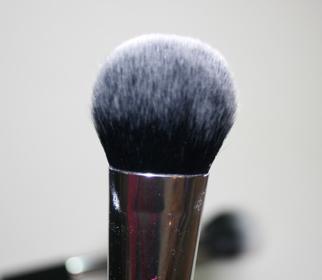 Real Techniques Nic's Pics Cheek Brush