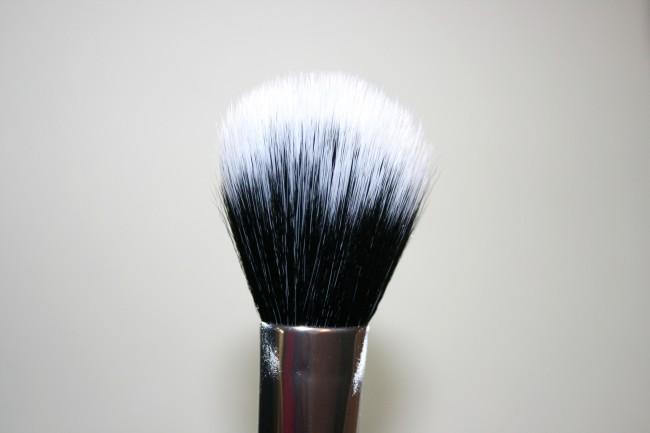 Real Techniques Nic's Pics Duo Powder Fibre Brush
