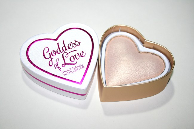 Makeup Revolution I Heart Makeup Triple Baked Highlighter Goddess of Love