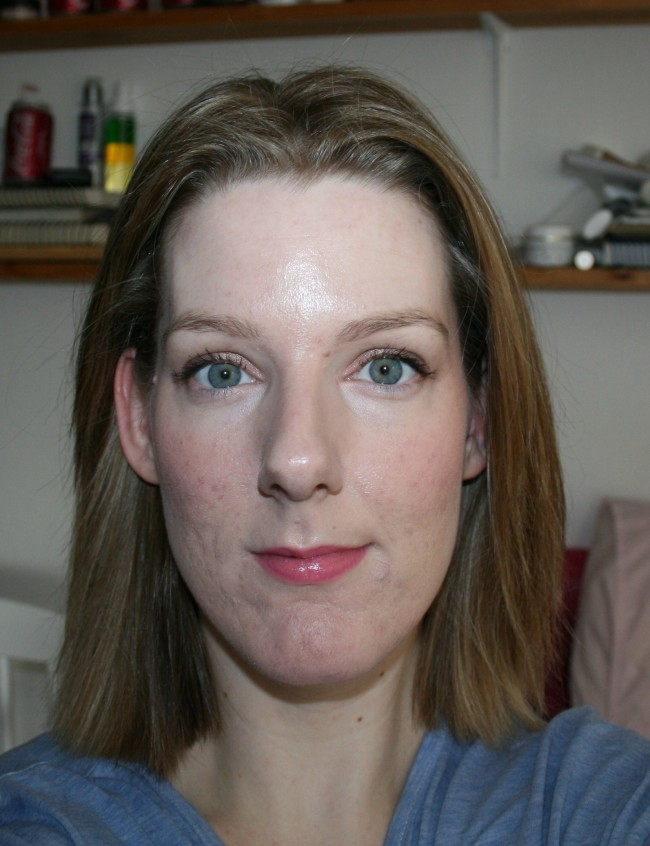 Elizabeth Arden Flawless Finish Perfectly Satin 24HR Makeup SPF15 Review