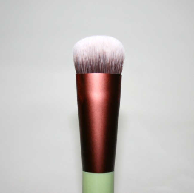 Pixi Full Coverage Foundation Brush Review