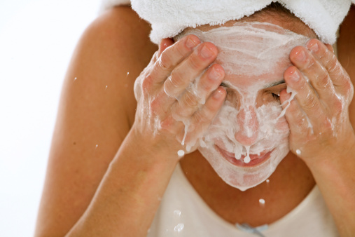 Guest Post: What You Should Be Looking For When Buying A Cleanser