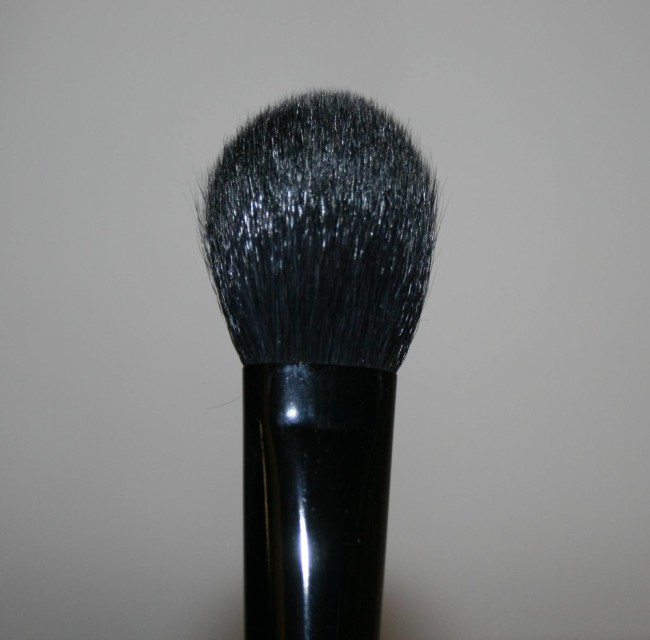Japonesque Highlight and Contour Brush