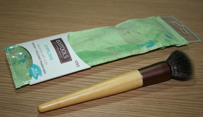 Eco Tools Stippling Brush Review