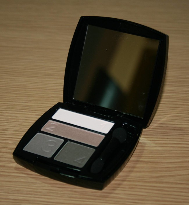 Avon True Colour Eyeshadow Quad in Stone Taupes
