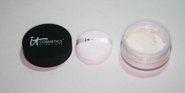 It Cosmetics Bye Bye Pores Poreless Powder Review