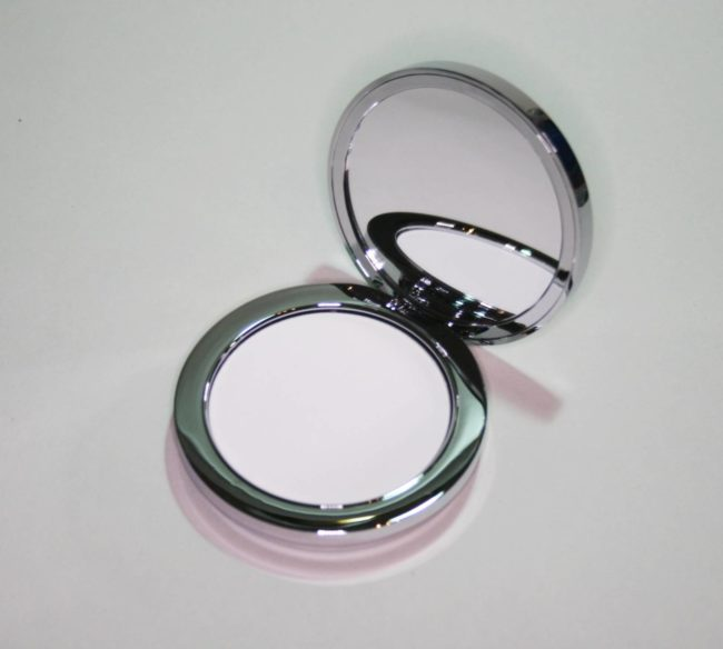 Rodial Instaglam Compact Deluxe Translucent HD Powder Review