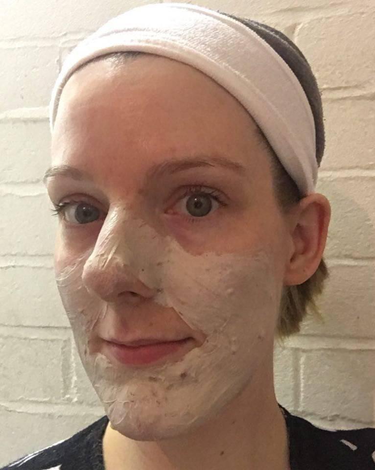superfacialist-salicylic-acid-anti-blemish-clay-mask-review