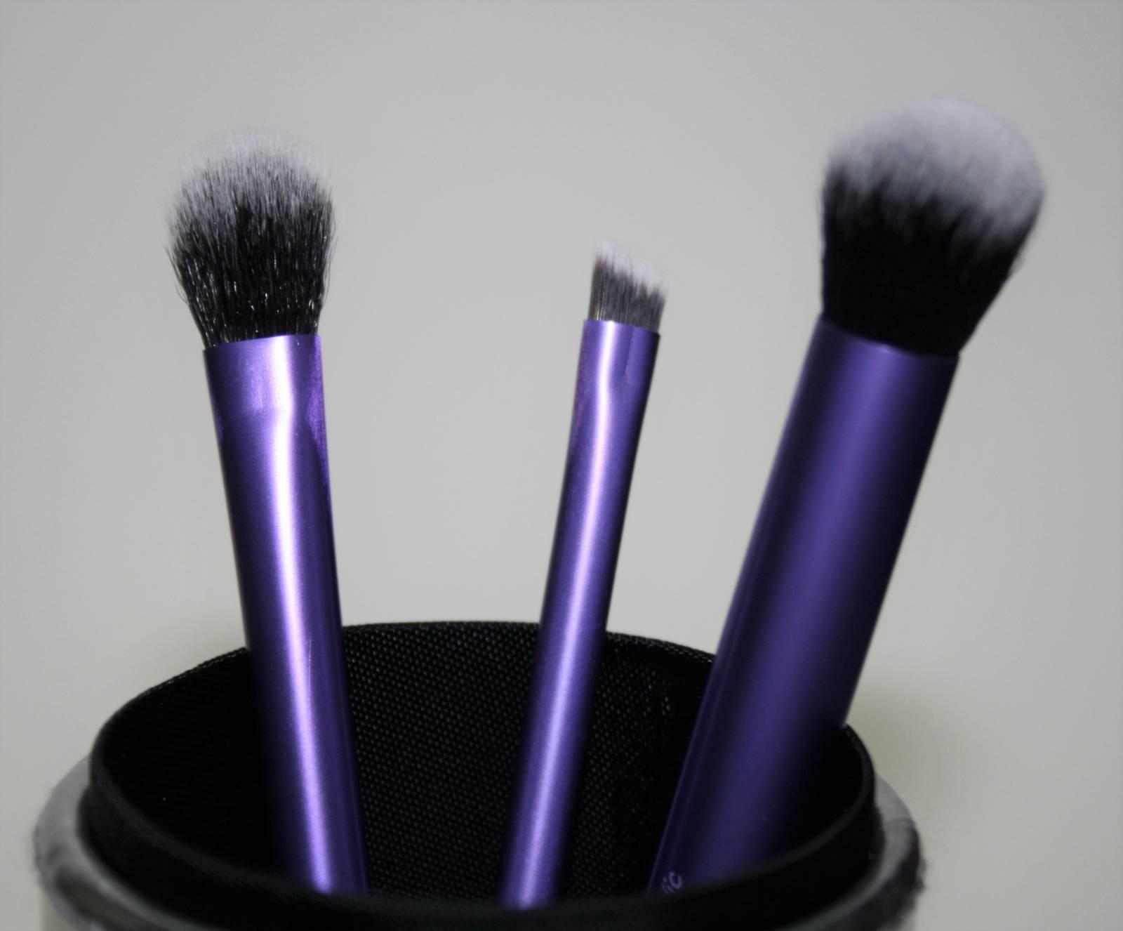 Real Techniques Travel Case Makeup Brush Set Review