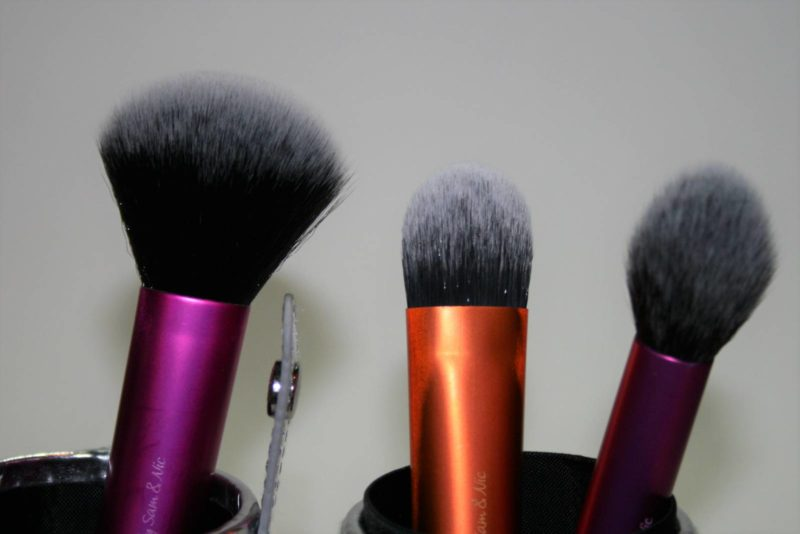 real-techniques-travel-case-makeup-brush-set-reviews