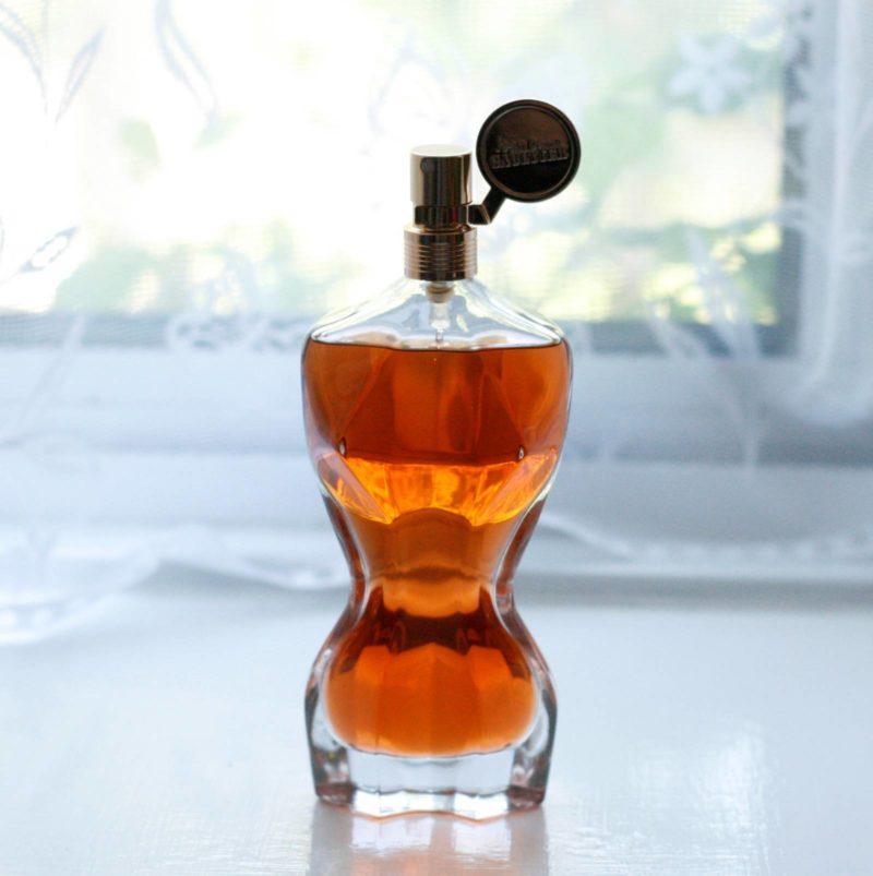 jean paul gaultier classique essence de parfum review. Black Bedroom Furniture Sets. Home Design Ideas