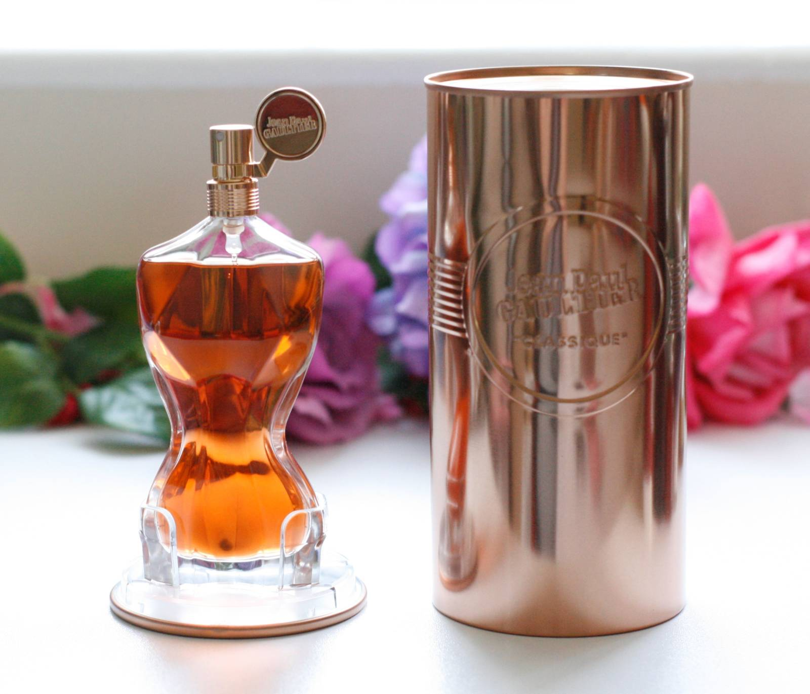 jean paul gaultier classique essence de parfum beauty. Black Bedroom Furniture Sets. Home Design Ideas