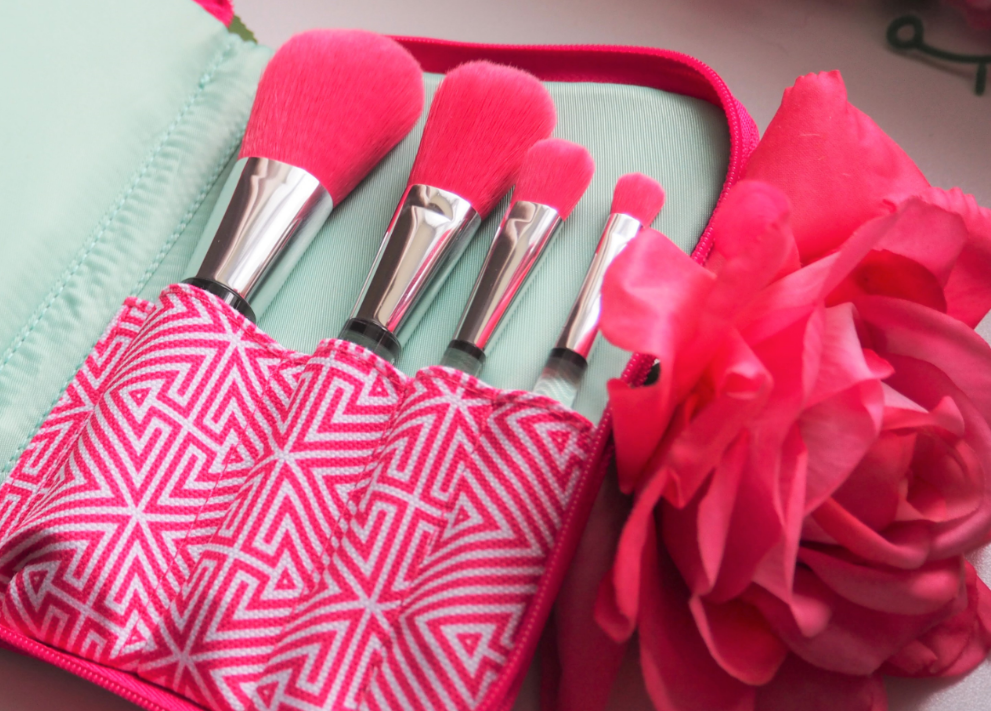 Clinique + Jonathan Adler Collection Luxe Brush Set