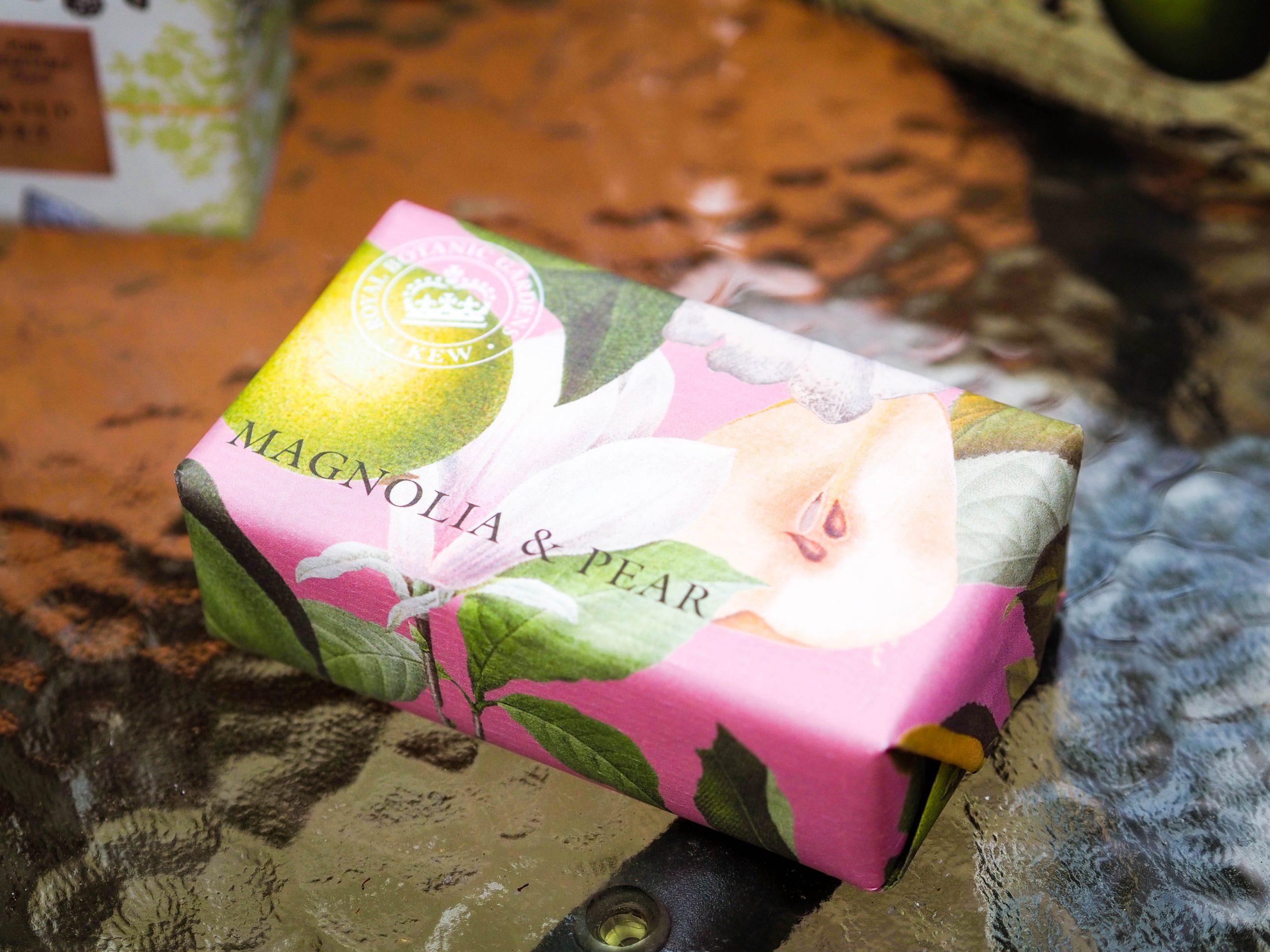 English Soap Company Magnolia and Pear Soap Bar