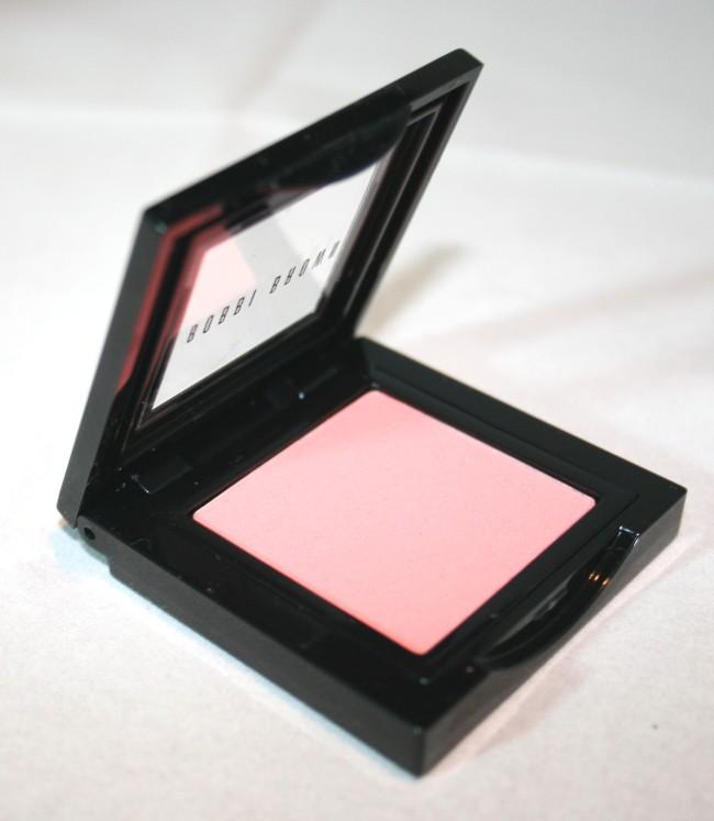 Bobbi Brown Rich Chocolate Blush in Pink Coral