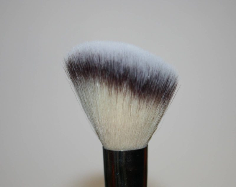 Best Brushes - IT Cosmetics Blusher Brush