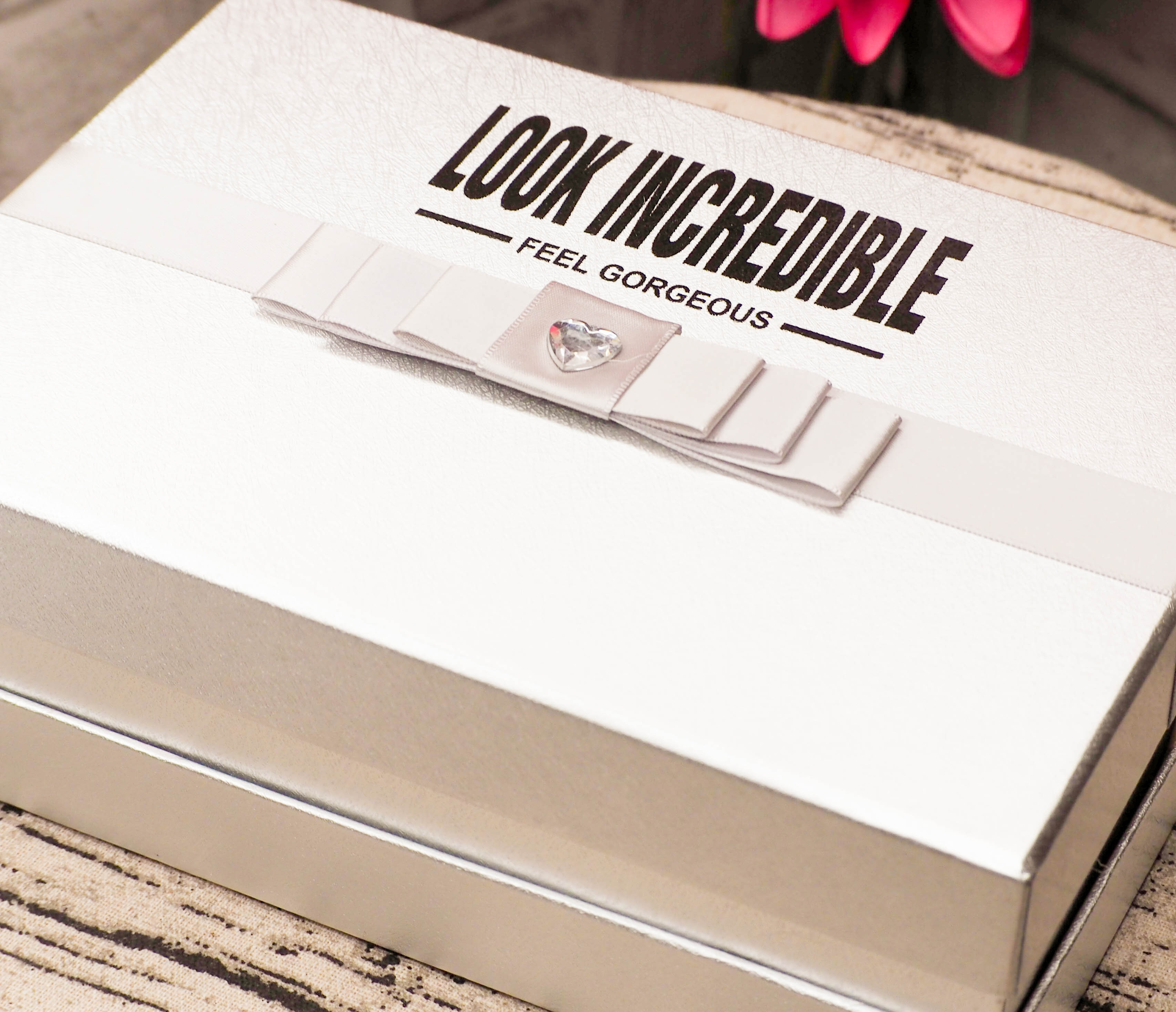 Look Incredible April Deluxe Edition